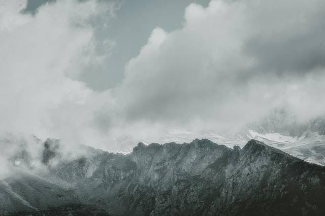 冬季旅行单图图片内容公众号素材模板.jpg